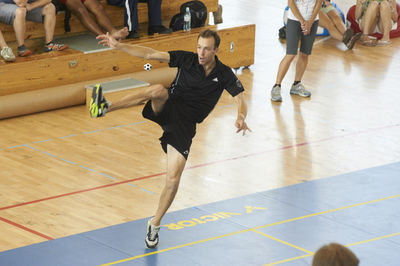 400px-Serve_-_Karim_Daouk_-_Photo_by_Maciej_Jedrzejewski